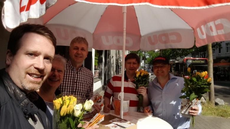 Gruppenfoto mit Oberbilker CDU-Mitgliedern bei einem Infostand: F. Tussing, E. Ibheis, St. Kwasniewski, J. Kirschbaum, M. Berkenheide.
